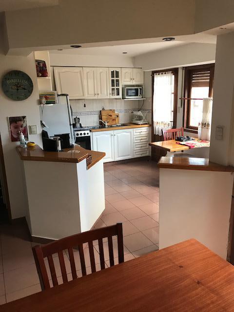 Foto Casa en Alquiler en  Capital ,  Neuquen  Buta Ranquil al 100