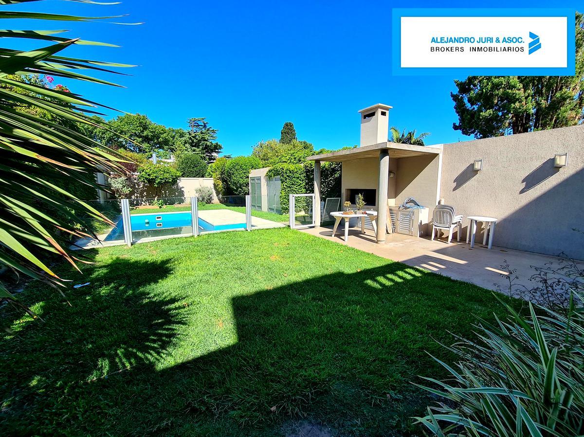 Foto Casa en Venta en  Alberdi,  Rosario  Casa 3 Dormitorios con Pileta en Alberdi Rondeau 1270 - Actualmente Alquilada