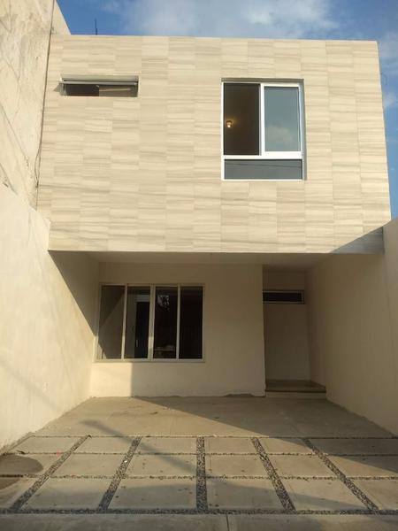 Foto Casa en Venta en  Boca Del Rio,  Boca del Río   Casa de 2 Pisos en Venta en Boca del Río $890,000
