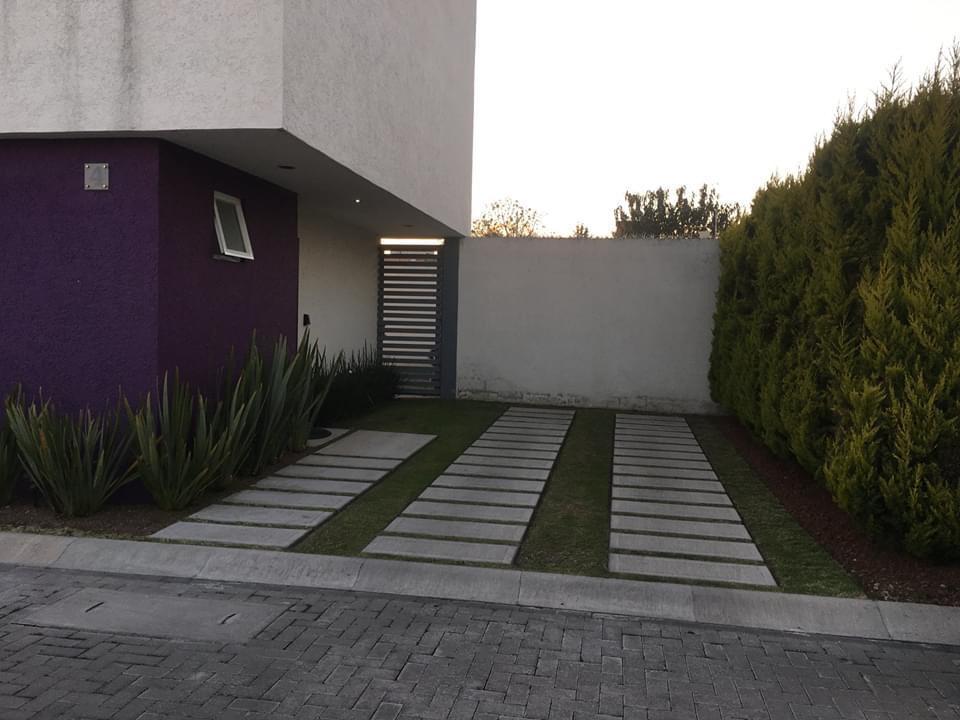 Foto Casa en Venta en  Metepec ,  Edo. de México  SE VENDE PRECIOSA CASA EN METEPEC, CERCA DE AVENIDAS PRINCIPALES (TOLLOCAN, TORRES Y TECNOLÓGICO)