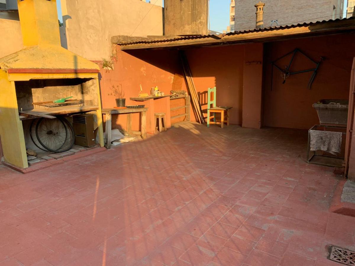 Foto Casa en Alquiler en  Macrocentro,  Rosario  Zeballos 515