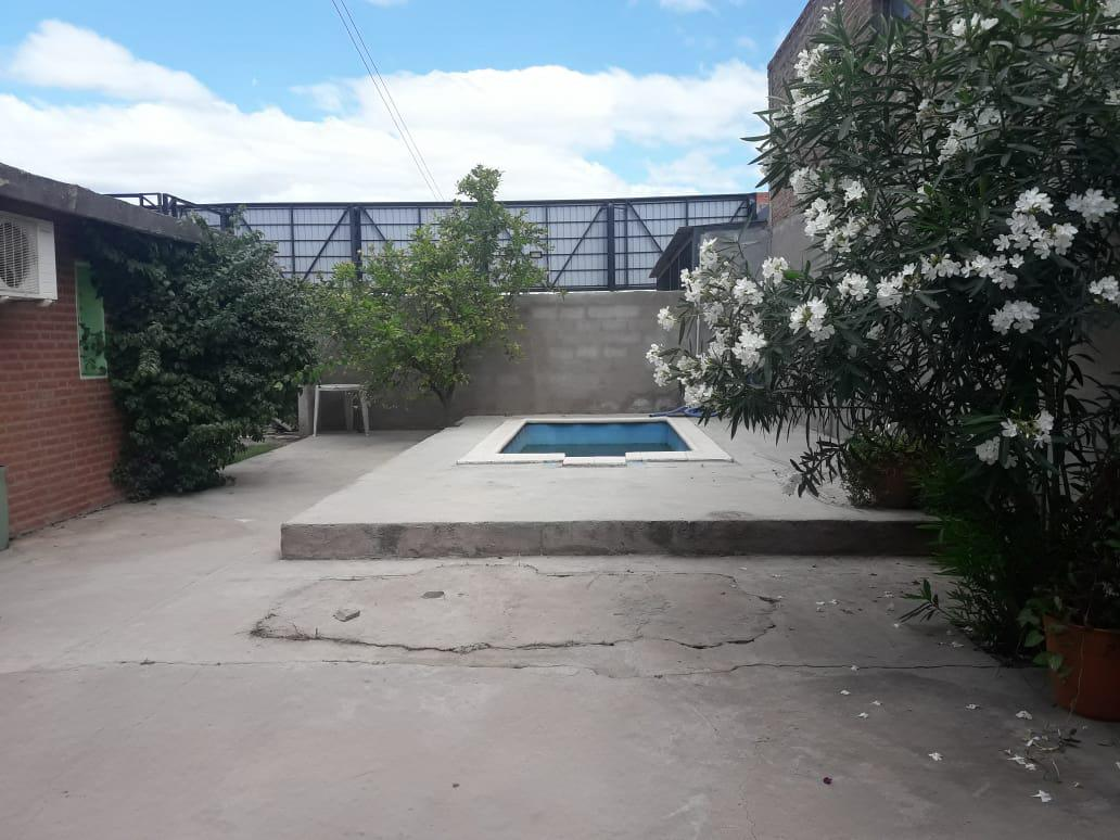 Foto Casa en Venta en  Villa Dolores,  San Javier  VENDO CASA Y DOS LOCALES CENTRO VILLA DOLORES CÓRDOBA