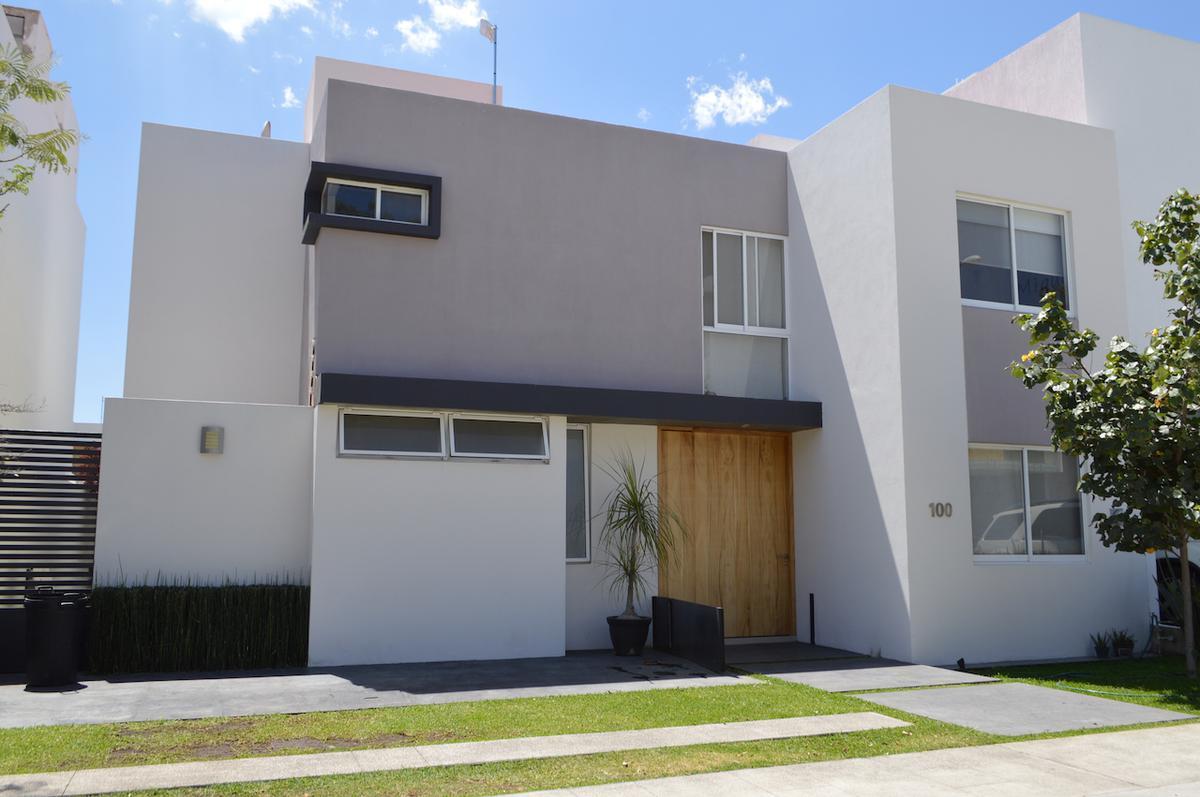 Foto Casa en Venta en  La Mojonera,  Zapopan  Ramon Corona 7880 100 Fracc. Mítica Residencial