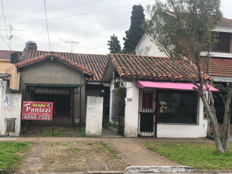 Foto Casa en Venta en  Lomas de Zamora Oeste,  Lomas De Zamora  POSADAS 437