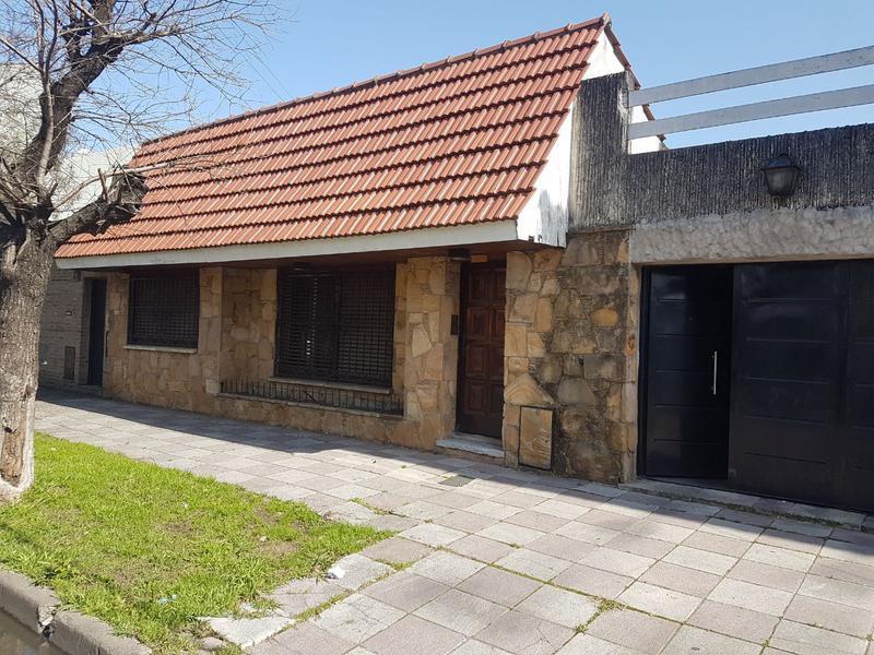 Foto PH en Venta en  Lanús Este,  Lanús  Hector Guidi 1329/27