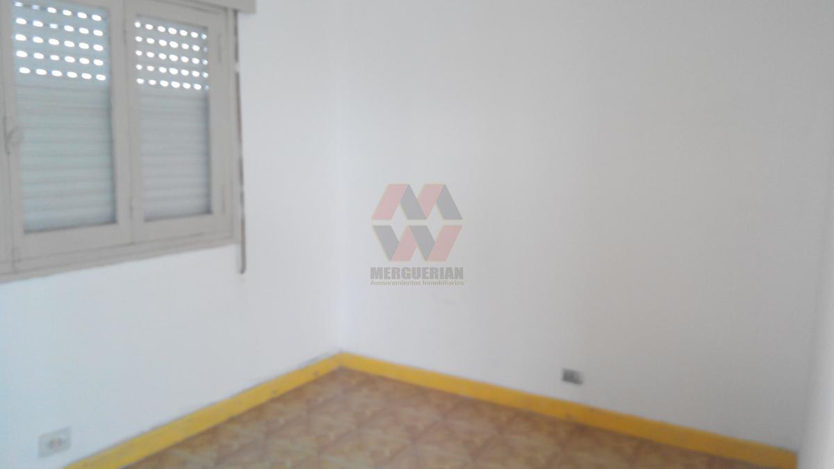 Foto Casa en Venta en  Juniors,  Cordoba  URUGUAY al 200