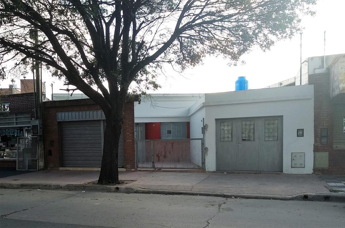 Foto Casa en Venta en  San Martin,  Cordoba  Av. Cornelio Saavedra 251