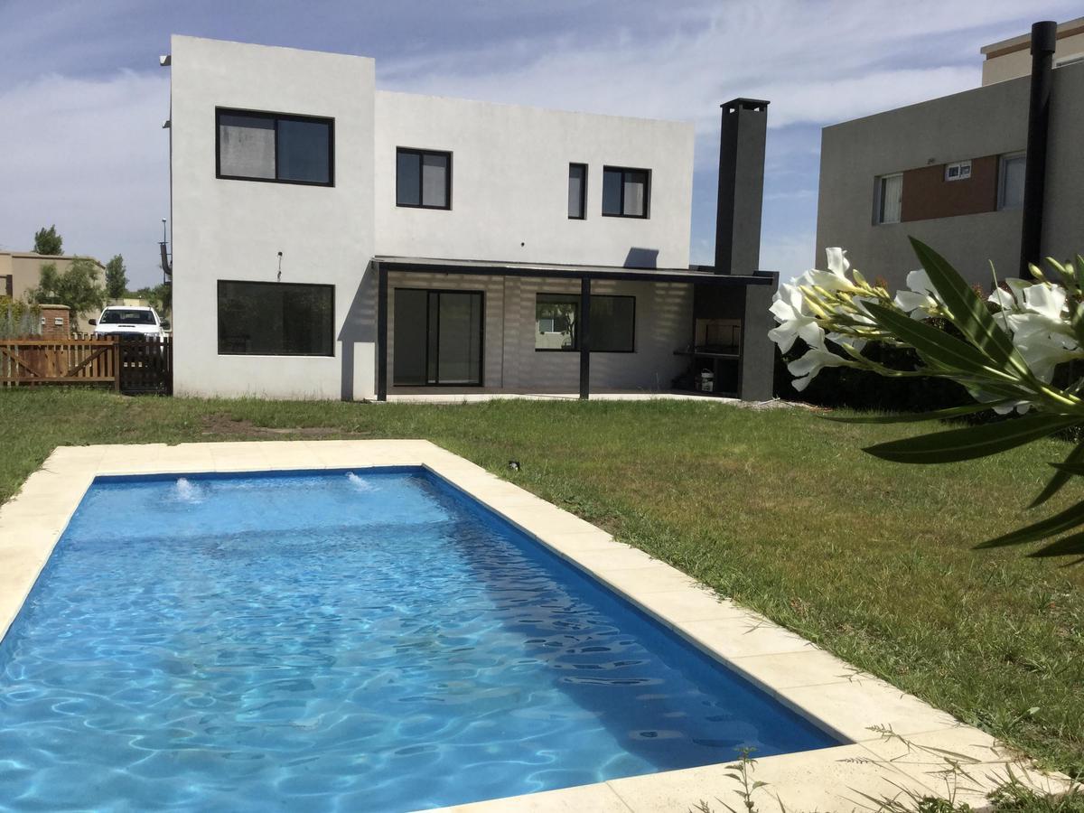 Foto Casa en Venta en  Zelaya,  Pilar  Pilar del Este