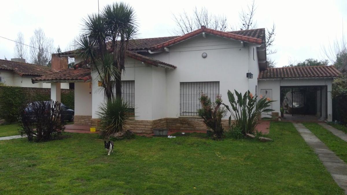 Foto Casa en Venta en  Moreno ,  G.B.A. Zona Oeste  Ituzaingó al 1600 MORENO CENTRO