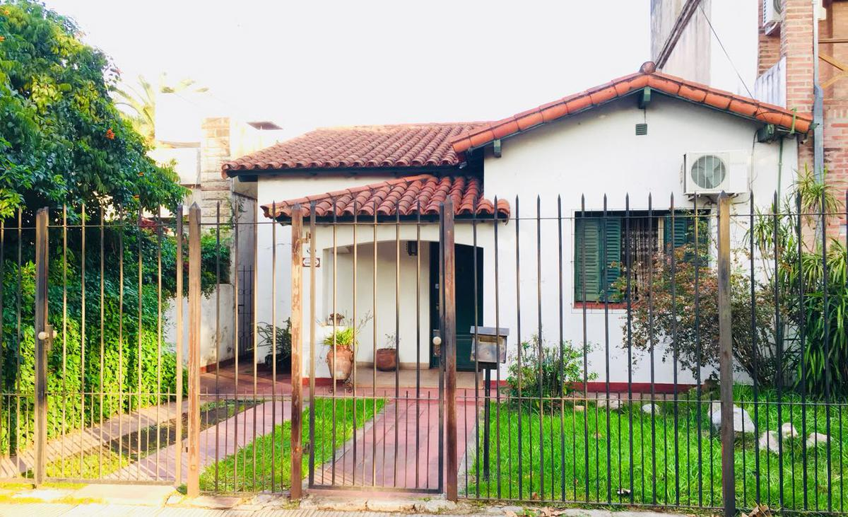 Foto Casa en Venta en  Ituzaingó ,  G.B.A. Zona Oeste  24 de octubre al 1000