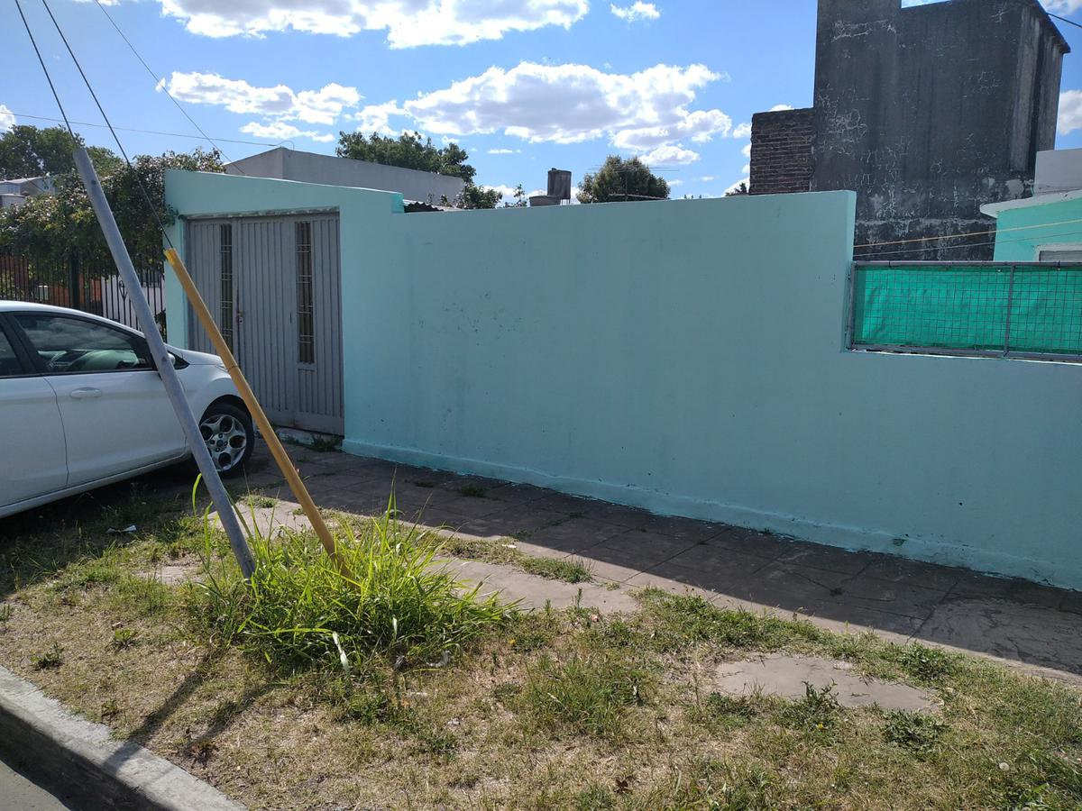 Foto Casa en Venta en  Berazategui,  Berazategui  Calle 13 A N° 3094