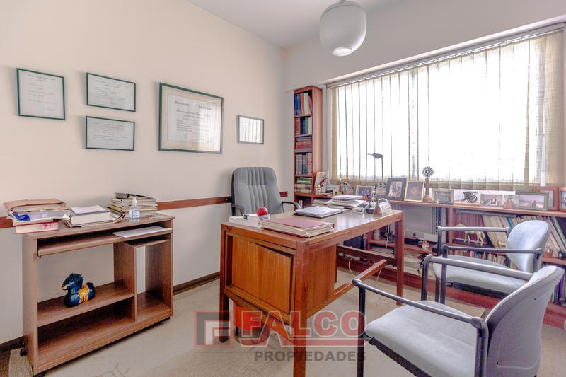 Foto Oficina en Alquiler en  Balvanera ,  Capital Federal  Riobamba al 400