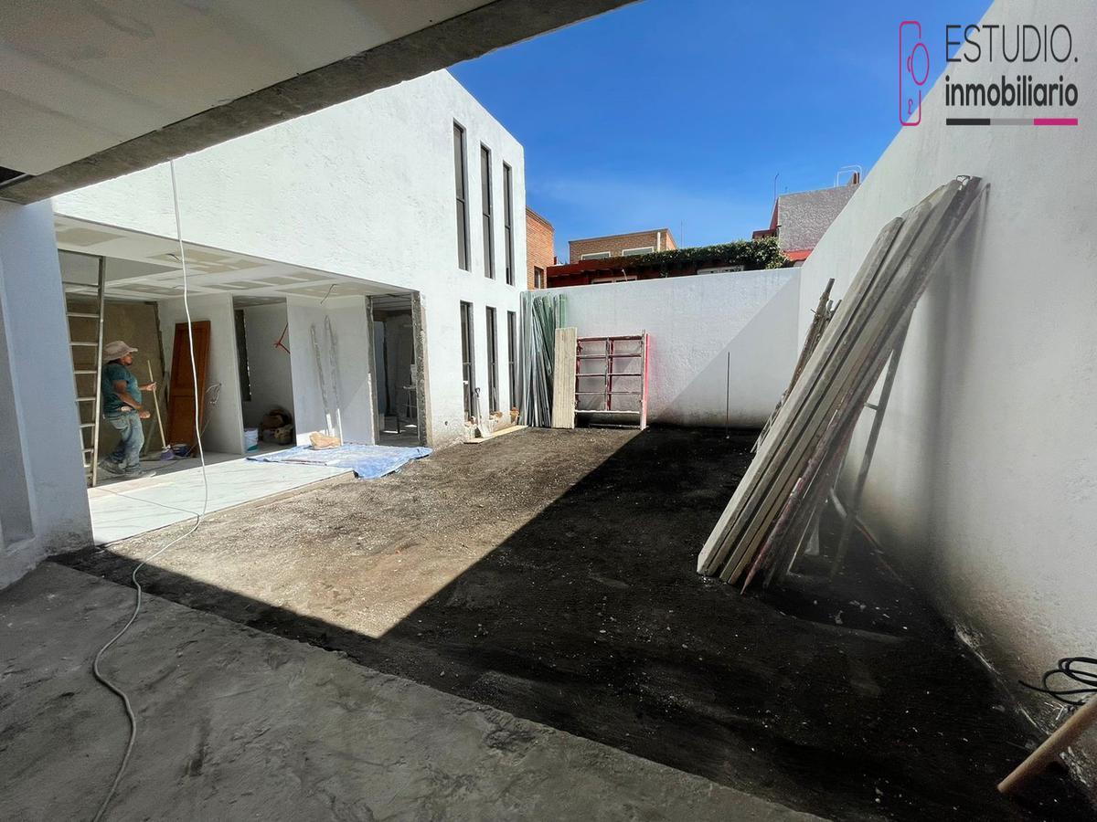 Foto Casa en Venta en  La Herradura,  Huixquilucan  CASA EN VENTA LA HERRADURA. estricta seguridad, luminosa, vista arbolada.