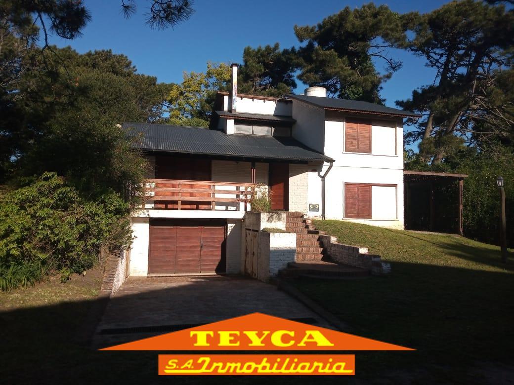 Foto Casa en Venta en  Centro,  Pinamar  DE LA SIRENA 987 ESQ. DE LA FOCA