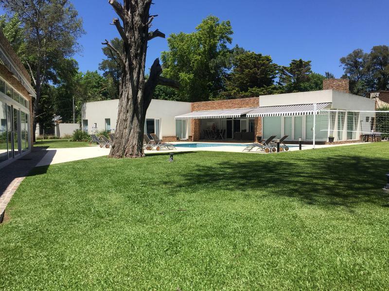 Foto Casa en Venta en  Barrio Parque Leloir,  Ituzaingo  Del Ombu