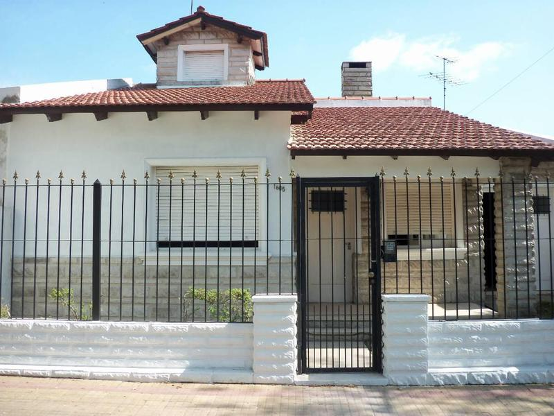 Foto Casa en Venta en  La Plata,  La Plata  22 E/ 66 y 67