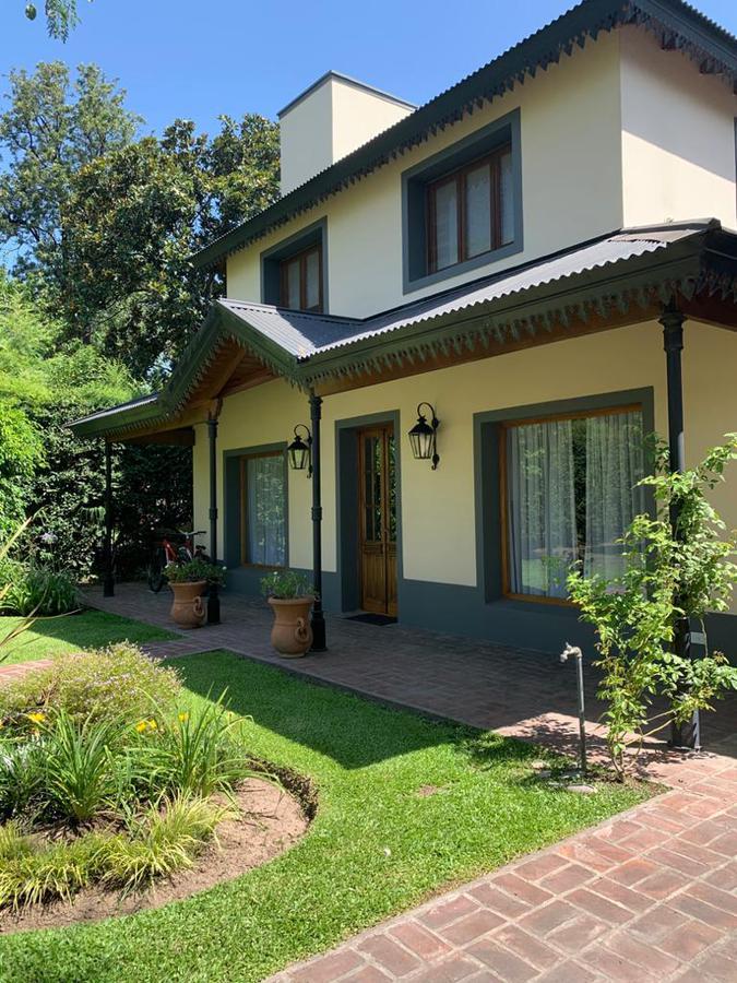 Foto Casa en Venta en  El Casco De Moreno,  Countries/B.Cerrado (Moreno)  Maipu al 1300
