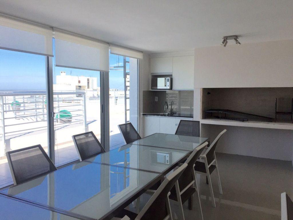 Foto Departamento en Alquiler en  Pocitos ,  Montevideo  PISO SIETE, SUPER LUMINOSO