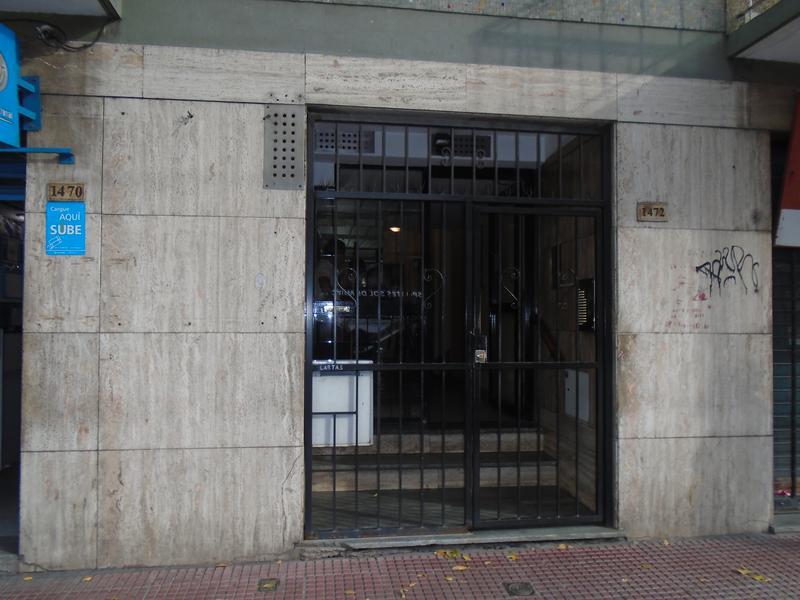 Foto Departamento en Alquiler en  Constitución ,  Capital Federal  Garay  al 1400