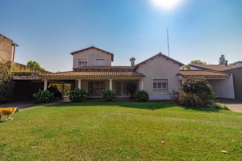 Foto Casa en Alquiler en  Yerba Buena ,  Tucumán  Avenida Aconquija al 1100