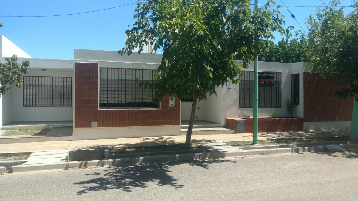 Foto Casa en Venta en  Rivadavia ,  San Juan  Barrio CAMUS, Justo Pacheco al 5800