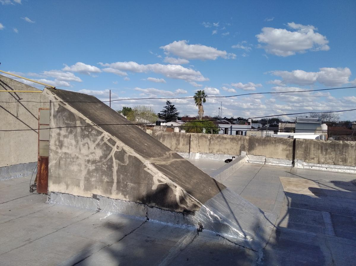 Foto PH en Alquiler en  Mart.-Santa Fe/Fleming,  Martinez  CUYO al 1500