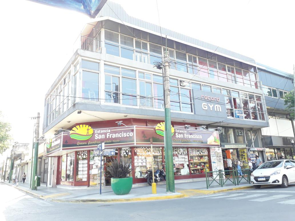 Foto Local en Alquiler en  Ituzaingó Norte,  Ituzaingó  Soler esquina Belgrano