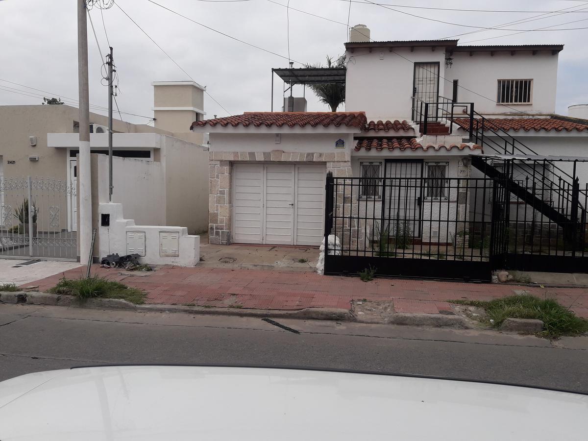 Foto Casa en Venta en  Villa Cabrera,  Cordoba  Italia al 2400