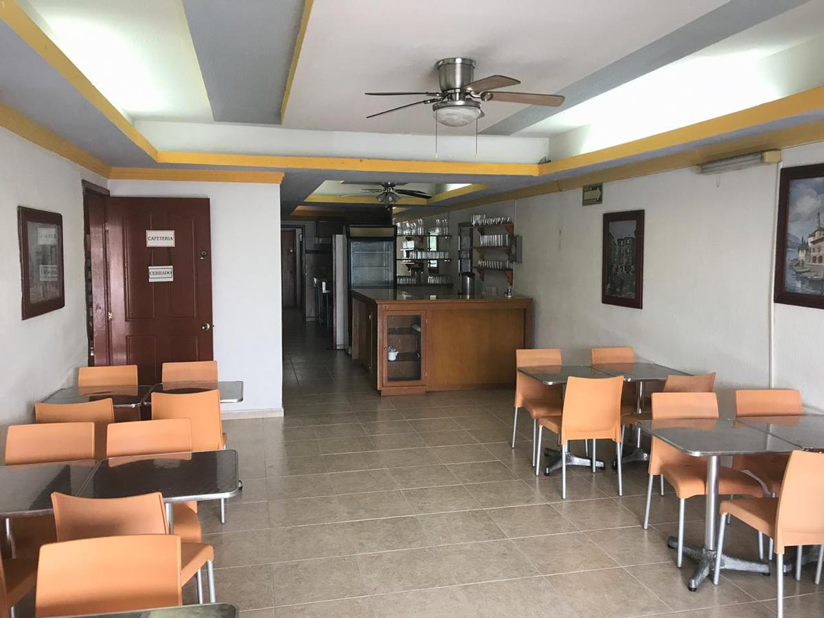 Foto Local en Renta en  Supermanzana 60,  Cancún          LOCAL COMERCIAL en RENTA sobre Av Lopez Portillo Cancun