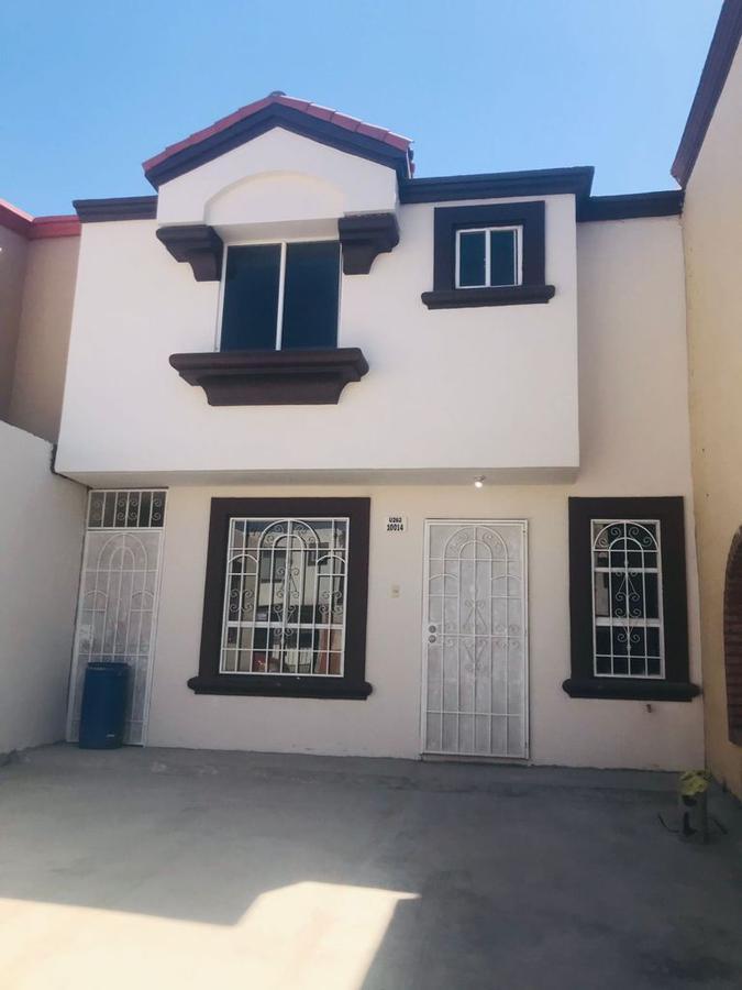 Foto Casa en Renta en  Tijuana,  Tijuana  RENTAMOS PRECIOSA CASA DE 3 RECÁMARAS RECIÉN REMODELADA EN SANTA FE 1RA SECC.