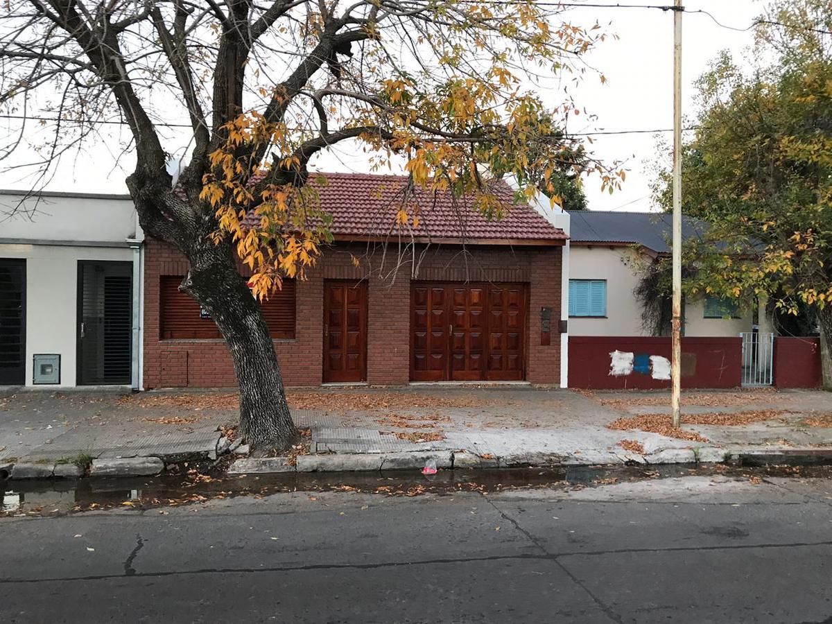Foto Casa en Venta en  La Plata ,  G.B.A. Zona Sur  137 entre 58 y 59