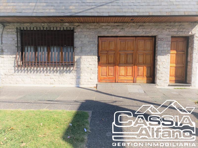 Foto Casa en Venta en  Lanús Oeste,  Lanús  MAXIMO PAZ 390