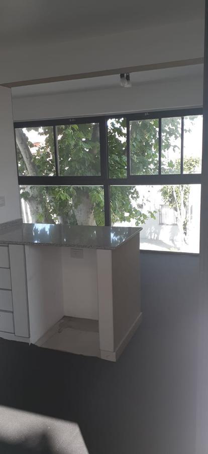 Foto Departamento en Alquiler en  Sarandi,  Avellaneda  ANATOLE FRANCE al 100