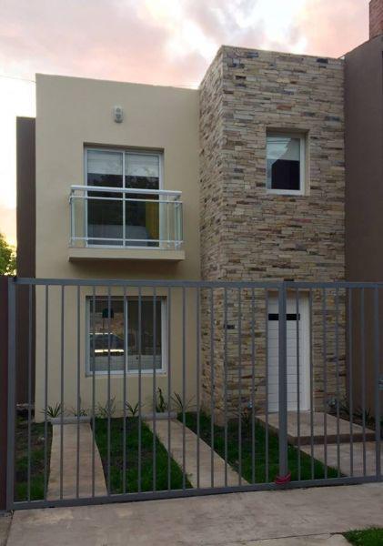 Foto Casa en Alquiler | Alquiler temporario en  Miramar ,  Costa Atlantica  CALLE 29 ENTRE 30 Y 32