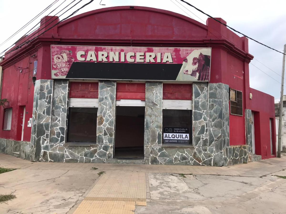 Foto Local en Alquiler en  Sargento Cabral,  Santa Fe  Alvear al 5600