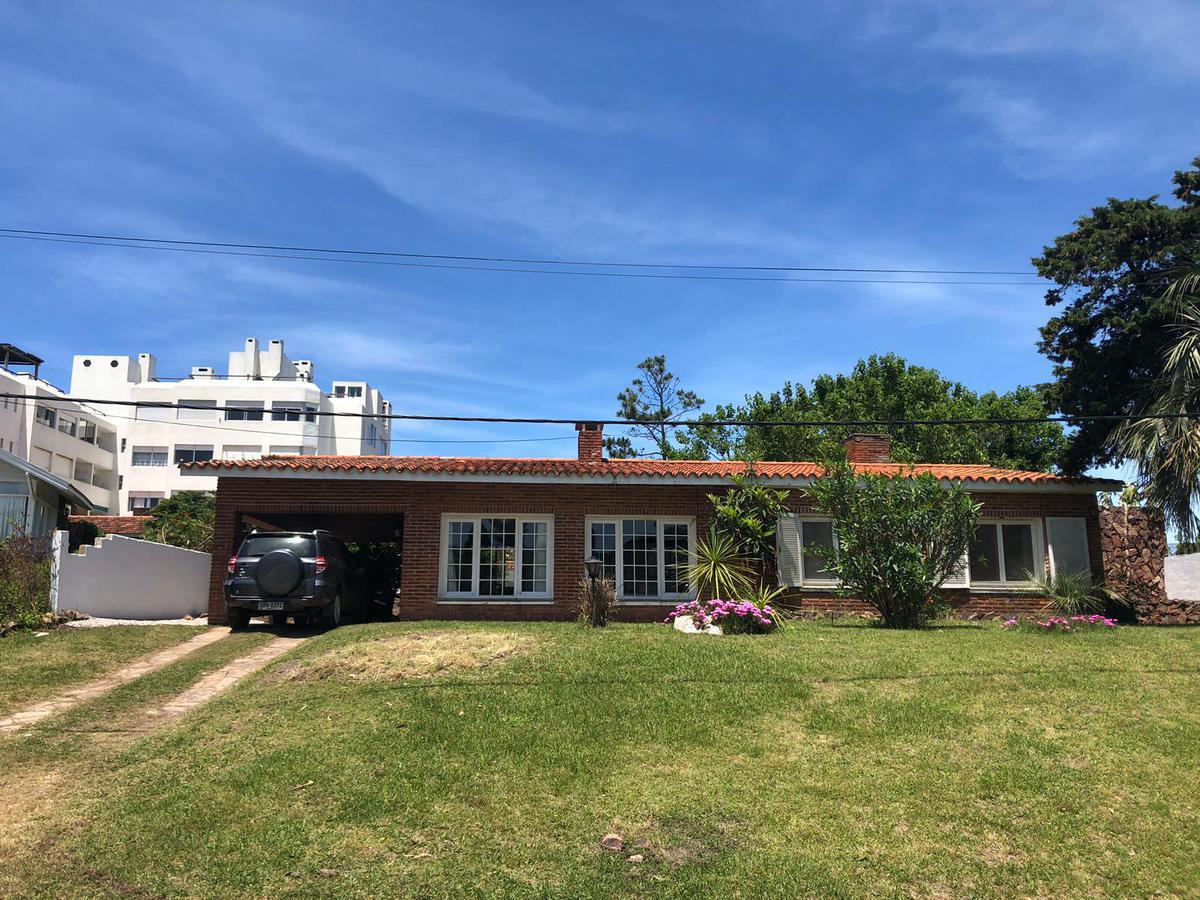 Foto Casa en Alquiler temporario en  Pinares,  Punta del Este  Casa en Pinares, Mansa
