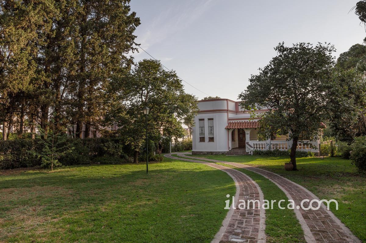 Foto Casa en Alquiler en  Arguello,  Cordoba  ricardo rojas al 7400