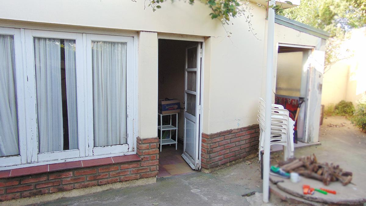 Foto Casa en Venta en  General Pico,  Maraco  102 esq 11