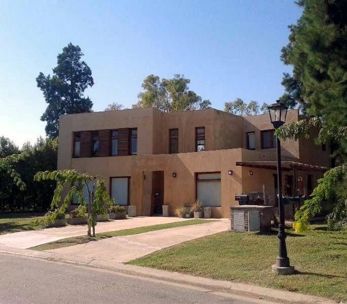 Foto Casa en Alquiler temporario en  El Encuentro,  Countries/B.Cerrado (Tigre)  El Encuentro