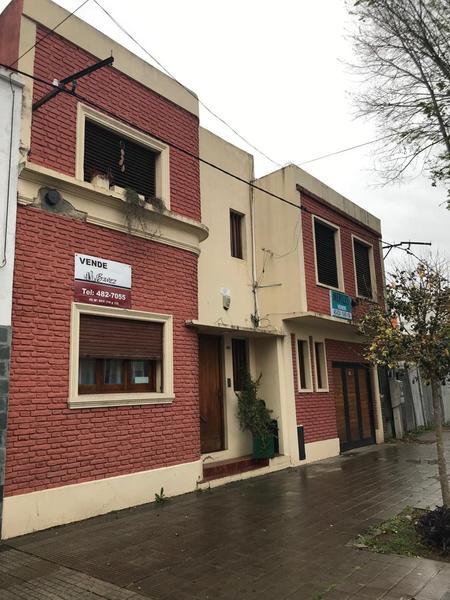 Foto Casa en Venta en  La Plata ,  G.B.A. Zona Sur  17 entre 43 y 44