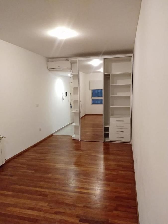Foto Departamento en Venta en  La Plata ,  G.B.A. Zona Sur  44 Entre 15 y 16