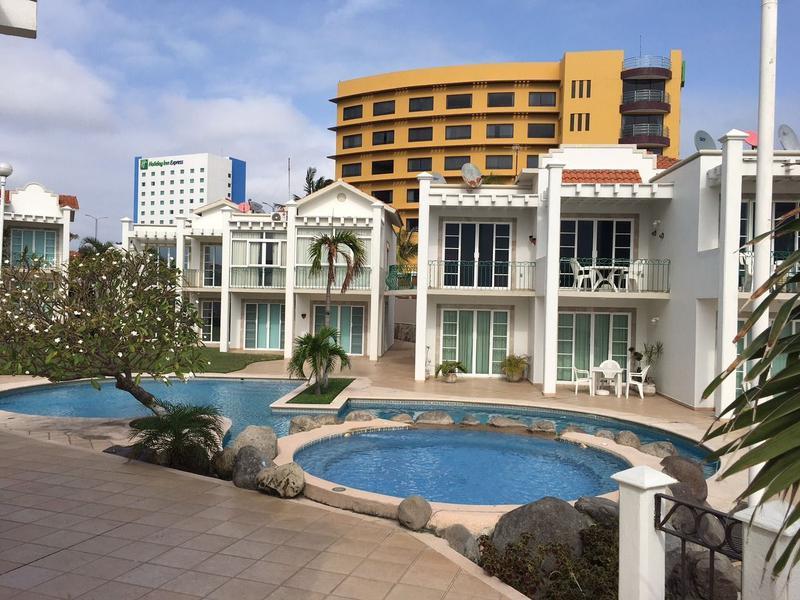 Foto Casa en Renta en  Fraccionamiento Costa de Oro,  Boca del Río  VILLAS ARRECIFES, CASA en VENTA y RENTA AMUEBLADA, frente al MAR Y PLAYA.