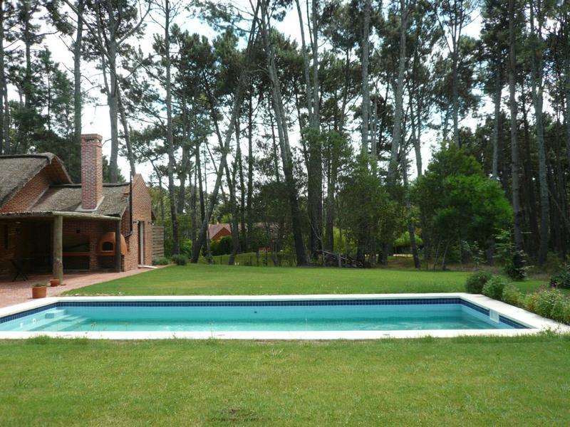 Foto Casa en Venta | Alquiler temporario en  Pinares,  Punta del Este  Pinares