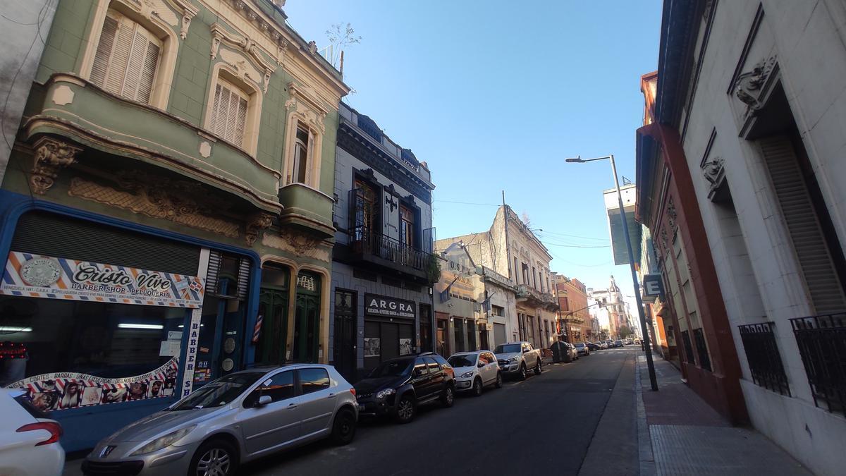 Foto PH en Venta en  Monserrat,  Centro (Capital Federal)  Venezuela al 1400