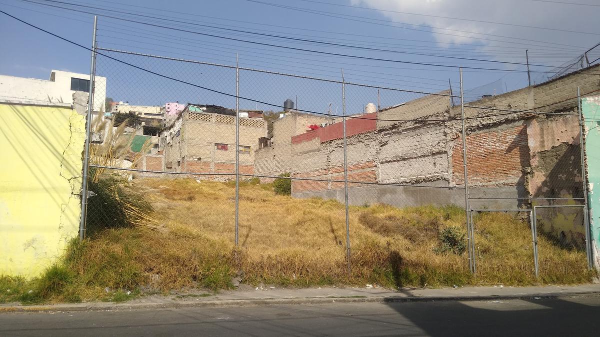 Foto Terreno en Venta en  La Retama,  Toluca  Venta de Terreno Toluca Centro, Uso Habitacional y Comercial, H200, Retama