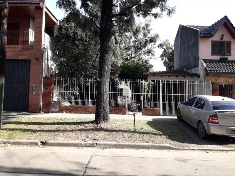 Foto Casa en Venta en  Lomas de Zamora Oeste,  Lomas De Zamora  Mentruyt 654 Lomas de Zamora