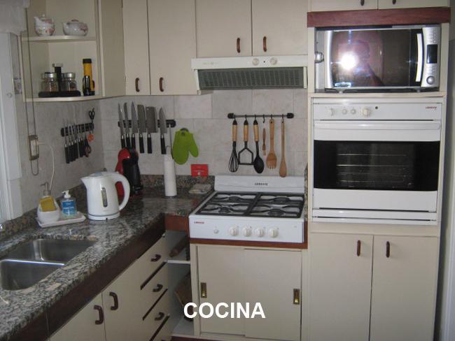 Foto Casa en Venta en  Adrogue,  Almirante Brown  RIPAMONTE nº 121, entre Pilar y Soler