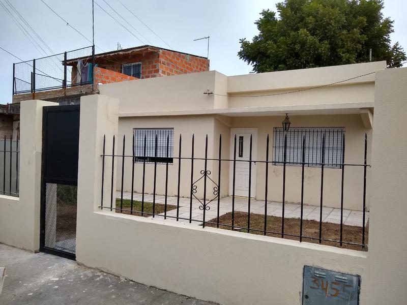 Foto Casa en Alquiler en  San Miguel,  San Miguel  roque saenz peña al 3400