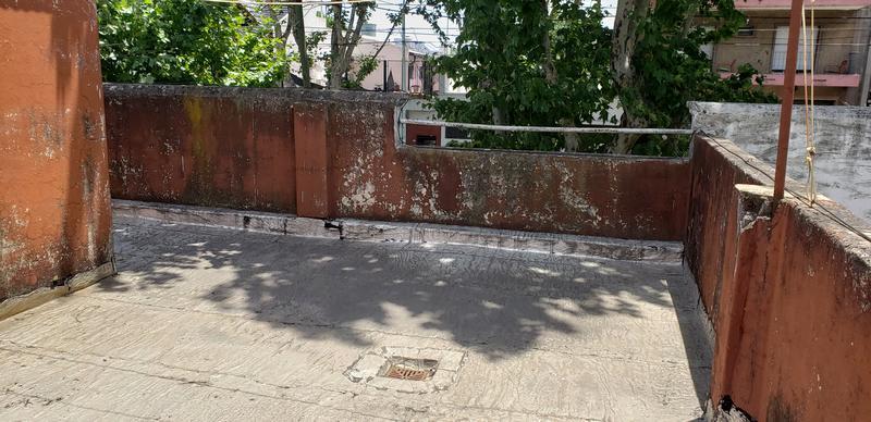 Foto PH en Venta en  Mataderos ,  Capital Federal  Av Emilio Castro 5100, tipo Casa 3 ambs al frente con entrada idependiente
