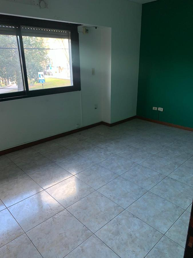Foto Departamento en Alquiler en  General San Martin,  General San Martin  Mitre Nº al 3800